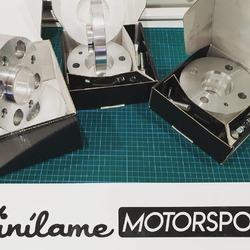 Separadores de todas las medidas para todos los coches 😁  #vinilamemotorsport #vinilame #separadores
