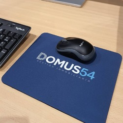Alfombrillas personalizadas con el logo de tu empresa o con tu foto favorita 😄  #vinilame #alfombrillaspersonalizadas #mousepadpersonalizado #mousepad #alfombrillaraton